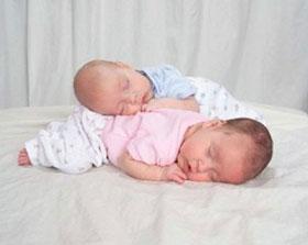 близнецы и двойняшки